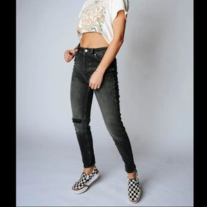 NWT FREE PEOPLE Zuri Mom Jeans Dusty Roads 30